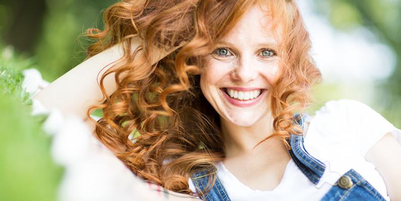 Buntes Haar – für Haarfarben gelten hohe Sicherheitsanforderungen