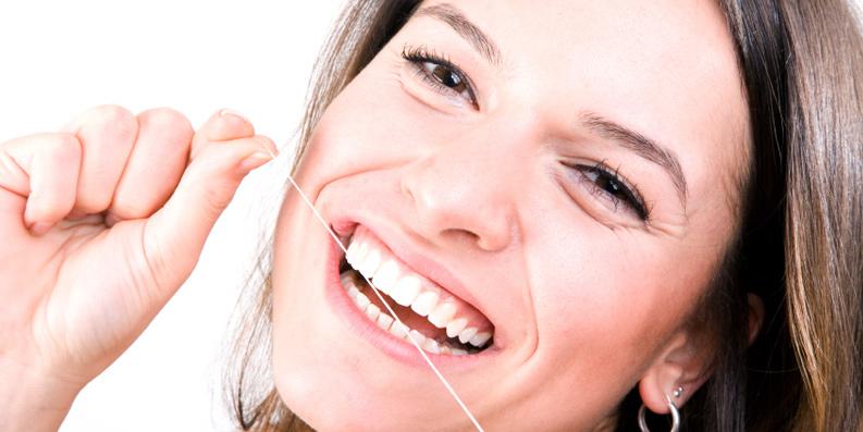 """Neues Themenheft der VERBRAUCHER INITIATIVE informiert über """"Zahnpflege"""""""