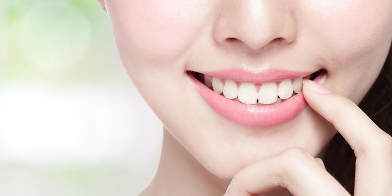 Attraktiv durch ungetrübte Zähne